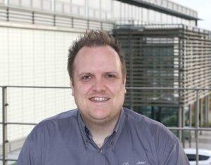 Dr David Curtis